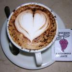 Láska v šálku cappuccina